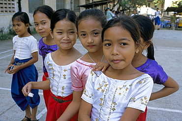 Portrait of a group of girls, Phnom Penh, Cambodia, Indochina, Southeast Asia, Asia
