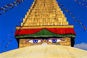 Buddhist stupa, Bodnath (Bodhnath) (Boudhanath), Kathmandu Valley, Nepal, Asia