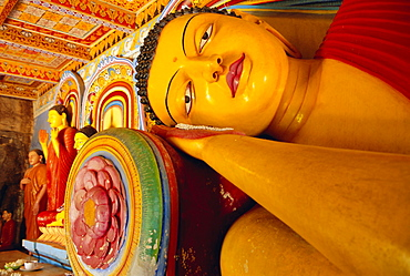 Reclining Buddha statue Isurumuniya, Anuradhapura, Sri Lanka, Asia