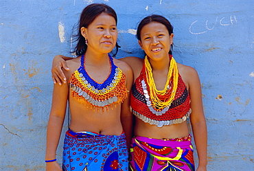Portrait of two Embera Indian girls, Chagres National Park, Panama, Central America
