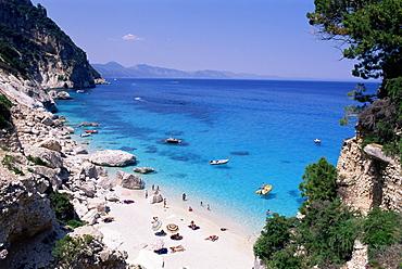 Bay and beach, Cala Goloritze, Cala Gonone, Golfe d'Orosei (Gulf of Orosei), east coast, island of Sardinia, Italy, Mediterranean, Europe