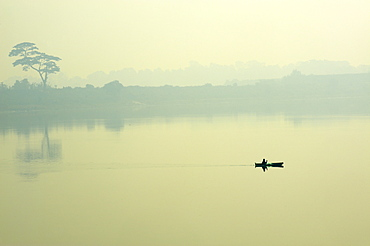 Hooghly River, part of the Ganges River, West Bengal, India, Asia