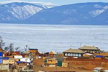 Khoujir, Maloe More (Little Sea), frozen lake during winter, Olkhon island, Lake Baikal, UNESCO World Heritage Site. Irkutsk Oblast, Siberia, Russia, Eurasia
