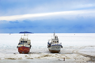 Frozen Harbour of Khoujir, Maloe More (Little Sea), frozen lake during winter, Olkhon island, Lake Baikal, UNESCO World Heritage Site, Irkutsk Oblast, Siberia, Russia, Eurasia