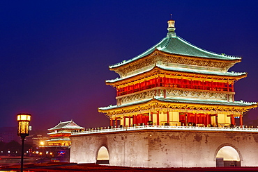 Bell Tower, dating from 14th century rebuilt by the Qing in 1739, Xian, Shaanxi Province, China, Asia