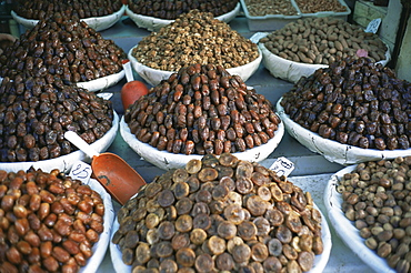 Figs and dates for sale in the souk in the Medina, Fes El Bali (Fez), Morocco, North Africa, Africa