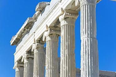 Close-up of columns of the Parthenon, Acropolis, UNESCO World Heritage Site, Athens, Greece, Europe