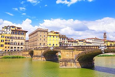 Santa Trinita Bridge spanning the River Arno, Florence, Tuscany, Italy, Europe