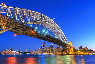 Sydney Harbour Bridge and CBD skyline, Sydney, New South Wales, Australia, Pacific