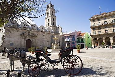 Plaza San Francisco and Basilica Menor de San Francisco de Asis, Old Havana, Cuba, West Indies, Central America