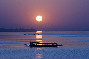 Sunset on the River Niger, Segou, Mali, Africa