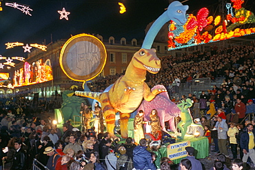 Defile aux Lumieres, Carnival, Place Massena, Nice, Alpes-Maritimes, Provence, France, Europe