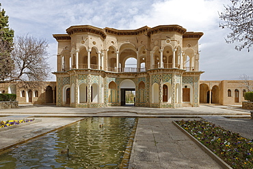 The central pavilion, The garden of Shahzadeh (Prince's Garden), Mahan, Province of Kerman, Iran, Middle East