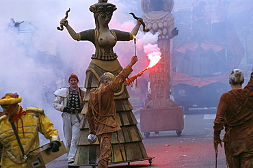 Carnival parade, Battle of the Flowers, Promenade des Anglais, Nice, Alpes-Maritimes, Provence, France, Europe