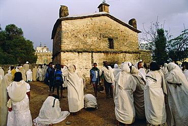 Pilgrims at the Easter Festival, St. Mary of Sion, Axoum (Axum), Abyssinian Highlands, Tigre, Ethiopia, Africa