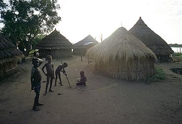 Batour village, Anouak (Anuak) ethnic group, on shores of Lake Tata, Ilubador state, Ethiopia, Africa