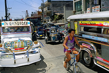 Street scene, Manila, island of Luzon, Philippines, Southeast Asia, Asia