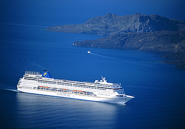 Cruise ship, Santorini, Cyclades Islands, Greece, Europe
