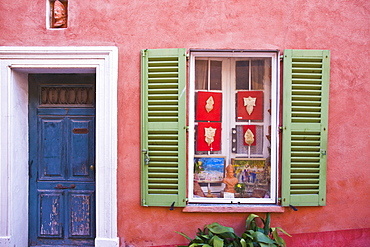 Red house, St. Tropez, Var, Provence, Cote d'Azur, French Riviera, France, Mediterranean, Europe