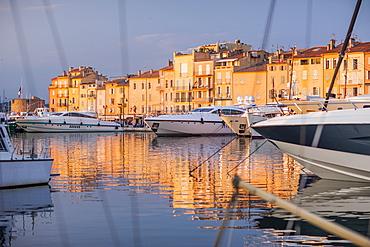 Harbour, St. Tropez, Var, Provence, Cote d'Azur, French Riviera, France, Mediterranean, Europe