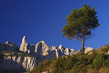 Escarpment at Montserrat, Montserrat, Catalonia, Spain, Europe