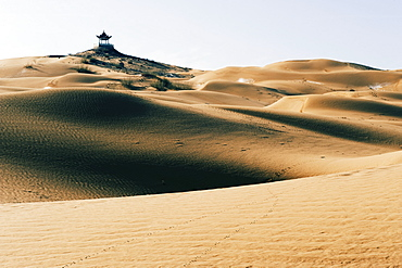 A pavilion at Tengger desert sand dunes in Shapotou near Zhongwei, Ningxia Province, China, ASia
