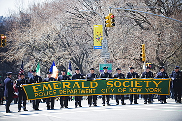 Emerald Society Police Department, St. Patricks Day celebrations, 5th Avenue, Manhattan, New York, United States of America, North America