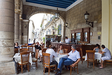 Outdoor cafe, El Patio in Plaza de la Catedral, Habana Vieja old town, UNESCO World Heritage Site, Havana, Cuba, West Indies, Caribbean, Central America