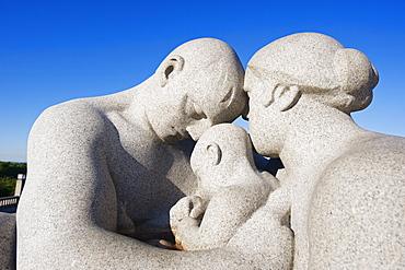 Parent and child, stone sculpture by Emanuel Vigeland, Vigeland Park, Oslo, Norway, Scandinavia, Europe