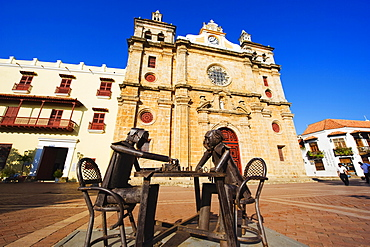 Metal scultpures playing chess in front of Church of San Pedro Claver, Old Town, UNESCO World Heritage Site, Cartagena, Colombia, South America