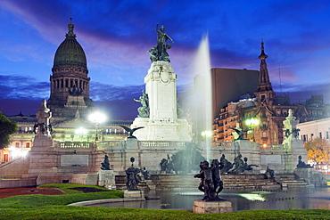 Monumento a los dos Congresos, Palacio del Congreso (National Congress Building), Plaza del Congreso, Buenos Aires, Argentina, South America