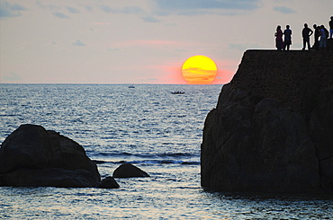 Sunset on the Indian Ocean, Galle, Southern Province, Sri Lanka, Asia