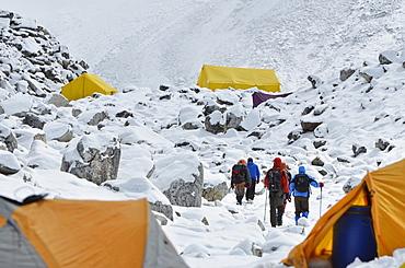 Island Peak base camp, Solu Khumbu Everest Region, Sagarmatha National Park, UNESCO World Heritage Site, Nepal, Himalayas, Asia