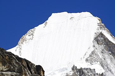 Mount Lingtren, 6714m, Solu Khumbu Everest Region, Sagarmatha National Park, UNESCO World Heritage Site, Nepal, Himalayas, Asia