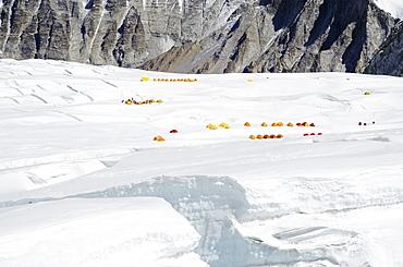 Tents at Camp 1 on Mount Everest, Solu Khumbu Everest Region, Sagarmatha National Park, UNESCO World Heritage Site, Nepal, Himalayas, Asia