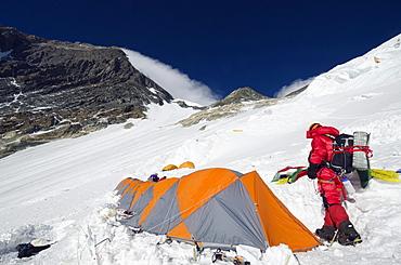 Camp 3 at 7100m on the Lhotse Face, Mount Everest, Solu Khumbu Everest Region, Sagarmatha National Park, UNESCO World Heritage Site, Nepal, Himalayas, Asia