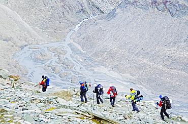 Hikers on the Matterhorn, Zermatt, Valais, Swiss Alps, Switzerland, Europe