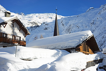Heavy snowfall in Le Tour, Chamonix Valley, Haute-Savoie, French Alps, France, Europe