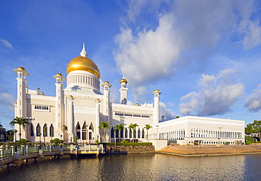 Omar Ali Saifuddien Mosque, Bandar Seri Begawan, Brunei, Borneo, Southeast Asia, Asia