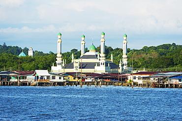 Kampung Ayer water villages, Jame Asr Hassanil Bolkiah mosque, Bandar Seri Begawan, Brunei, Borneo, Southeast Asia, Asia