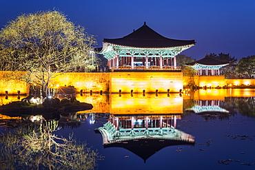 Anapji pond, Imhaejeon site, UNESCO World Heritage Site, Geongju, Gyeongsangbuk-do, South Korea, Asia