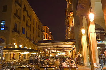 Street side cafe area, Place d'Etoile (Nejmeh Square) at night, downtown, Beirut, Lebanon, Middle East