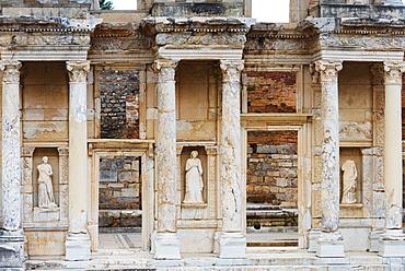 Ancient Roman ruins, The Library of Celcus, Ephesus, Selcuk, Anatolia, Turkey, Asia Minor, Eurasia