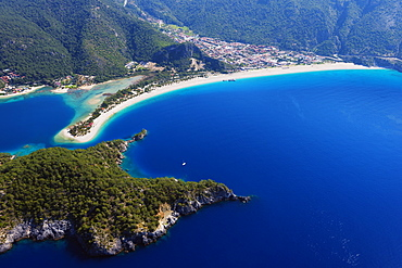 Oludeniz near Fethiye, Blue Lagoon and Belcekiz beach, Fethiye, Aegean Turquoise coast, Mediterranean region, Anatolia, Turkey, Asia Minor, Eurasia