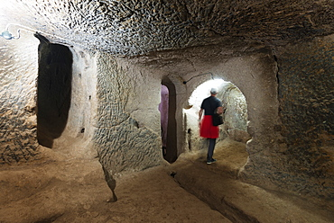 Underground room at Eski Gumusler Monastery, UNESCO World Heritage Site, Cappadocia, Anatolia, Turkey, Asia Minor, Eurasia