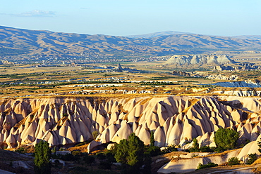 Rock-cut topography at Uchisar, UNESCO World Heritage Site, Cappadocia, Anatolia, Turkey, Asia Minor, Eurasia