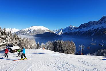 Les Houches ski resort, Chamonix Valley, Rhone Alps, Haute Savoie, French Alps, France, Europe