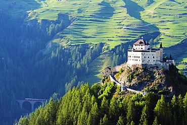 Scuol Tarasp (Tarasp Castle) (Schloss Tarasp), Engadine, Graubunden, Switzerland, Europe