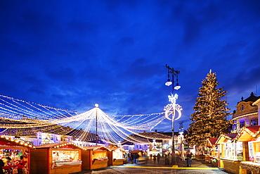 Christmas market in Plaza Piata Mare, Sibiu, Romania, Europe