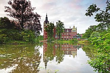 Neues Schloss Castle, built by Prince Hermann von Puckler-Muskau, UNESCO World Heritage Site, Muskauer Park, Bad Muskau, Saxony, Germany, Europe